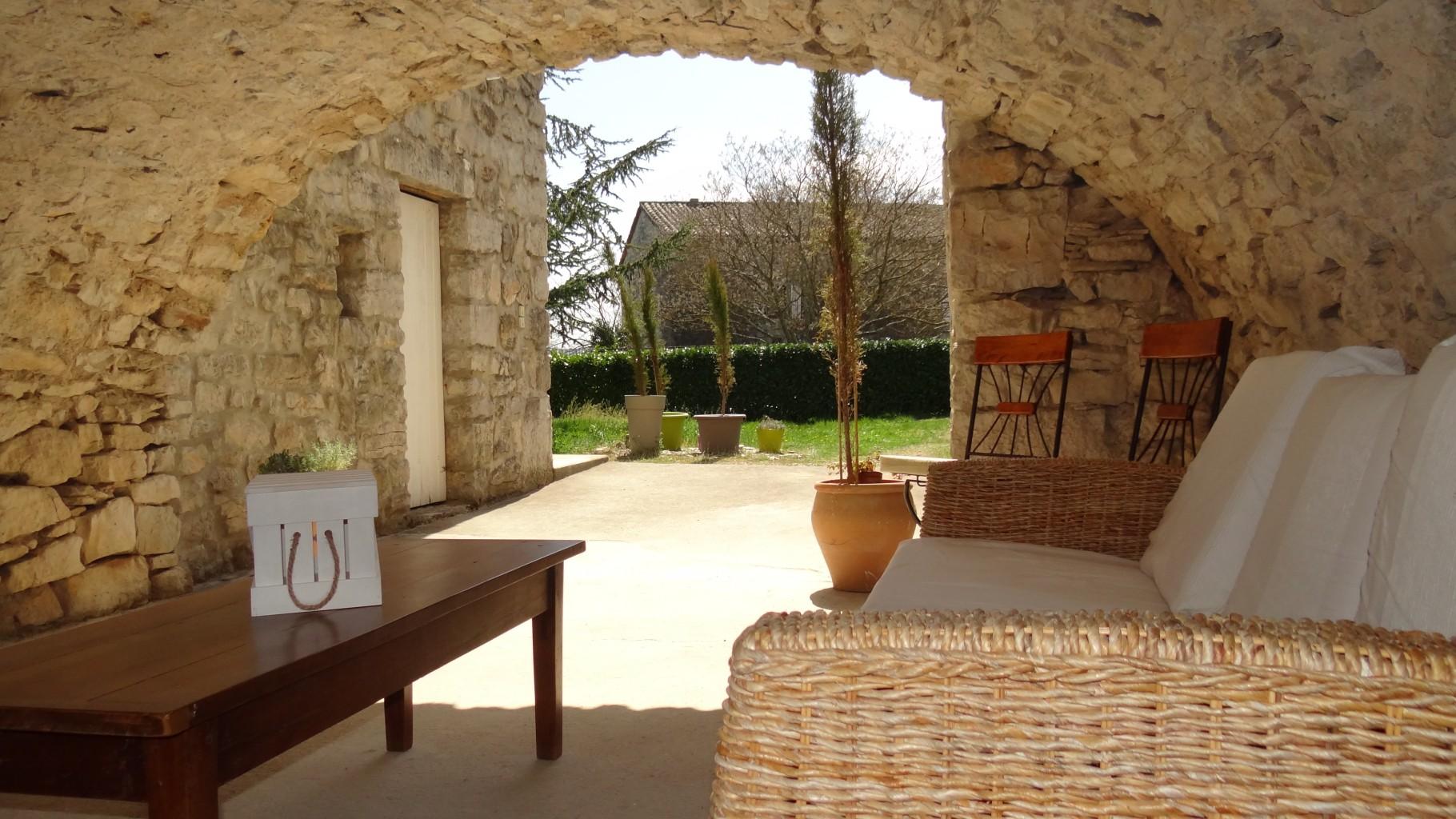 photo patio extrieur patio exterieur daccoration idee deco exterieur surprenant petit patio. Black Bedroom Furniture Sets. Home Design Ideas